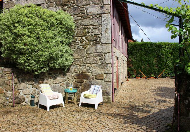 Rent by room in Amares - Quarto Duplo - Quinta das Laranjeiras
