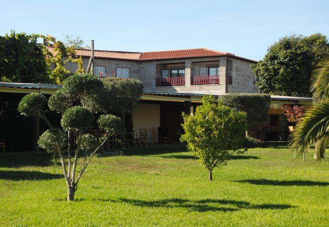 Rent by room in Póvoa de Lanhoso - Quarto Duplo Com Jacuzzi - Quinta do Rego