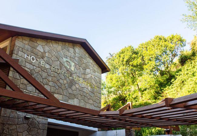 Rent by room in Montalegre - Quarto Duplo - Hotel Rural Misarela